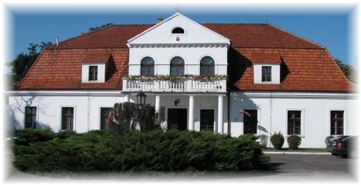 Siedziba Urzędu Gminy w Żelazkowie